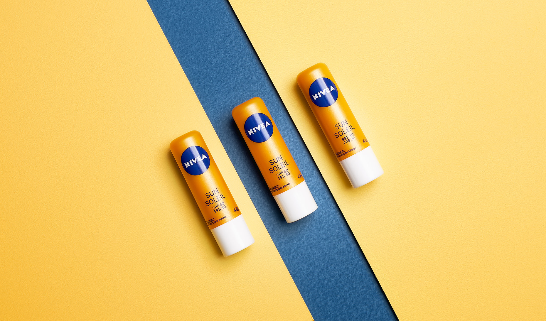 I've recently had the opportunity to work on some content creation for for Nivea Beiersdorf Canada. We produced 'summer routine' content in the form of table top and lifestyle photography using models and locations in Ottawa,